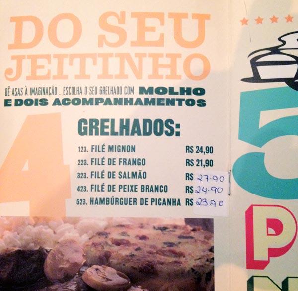 Cardápio remendado do Bar da Devassa, na região da Berrini, São Paulo
